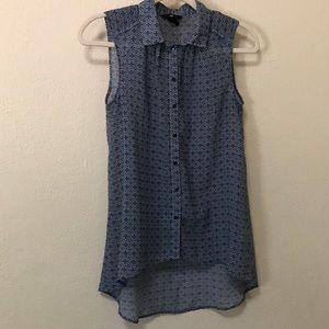 H&M button down sleeveless blouse